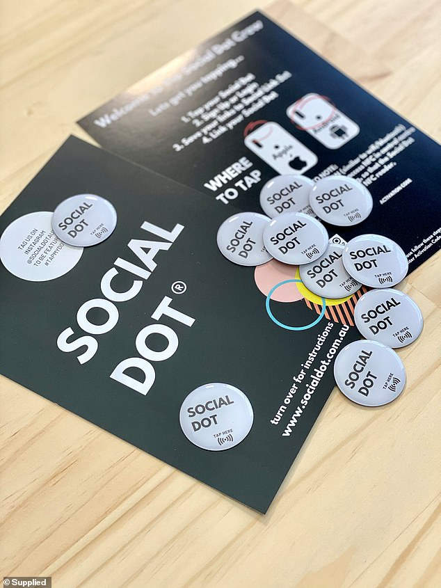 Since launching just three months ago in late August, Social Dot has made over 400 sales and multiple company sales, with hundreds choosing the bundle option - with total sales exceeding $ 20,000